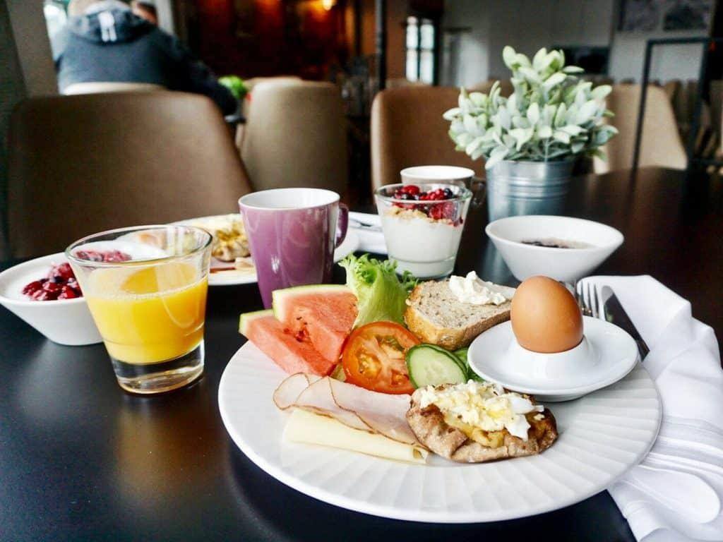 Finnish hotel breakfast - Her Finland: How to choose Finnish breakfast items in a hotel? Check this helpful article about Finnish breakfast!