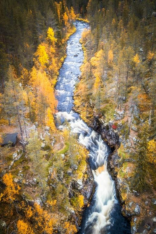 Lapland holidays in the autumn are perfect for hiking through colorful landscapes.